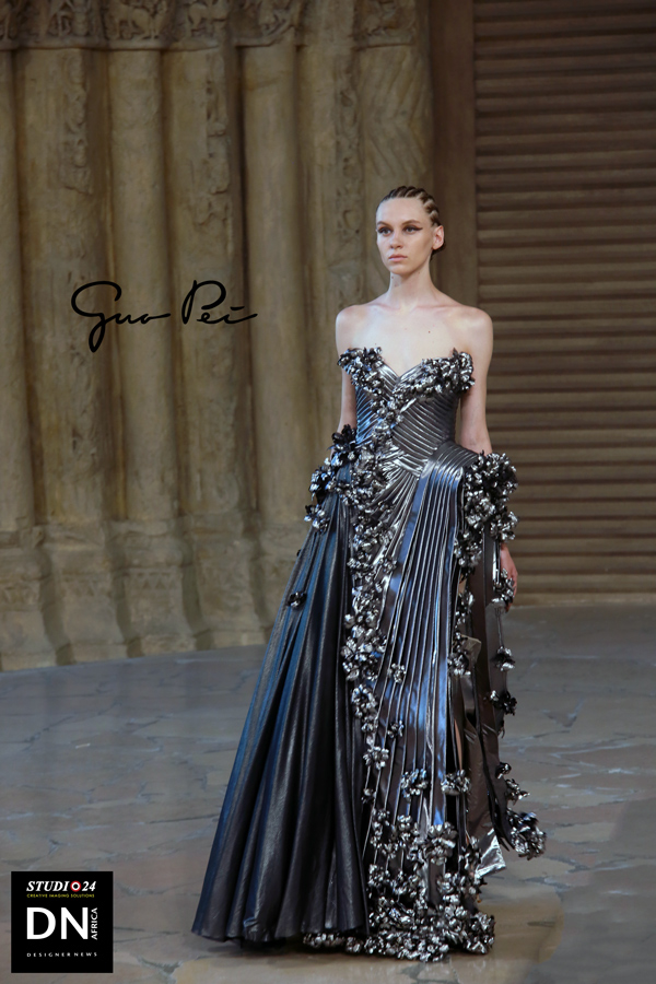 PARIS FASHION WEEK Couture 2018 - GUO PEI Collection L'Architecture FW 2018-19 - Media Partner dDN MAG, DN AFRICA -STUDIO 24 NIGERIA - PR JACQUES BABANDO COMMUNICATION